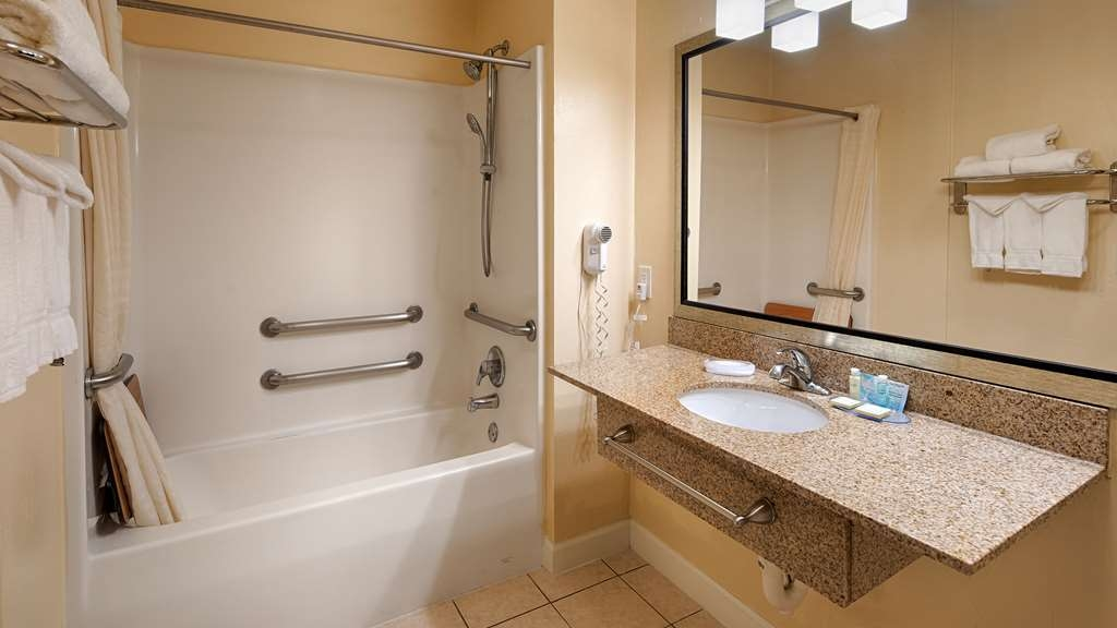 Best Western Snyder Inn - We designed our mobility accessible bathrooms for easy access.