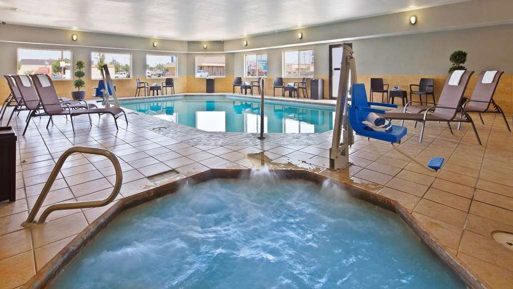 Best Western Borger Inn - Poolansicht