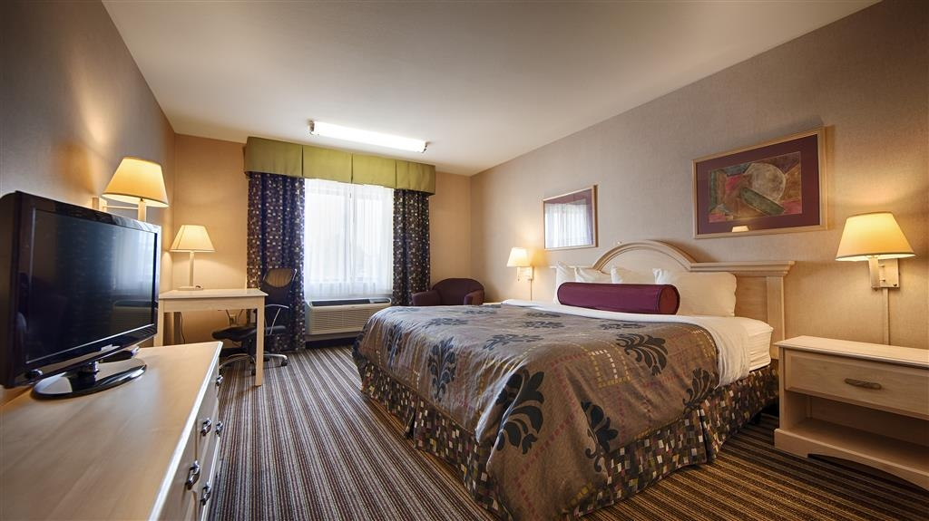 Best Western Borger Inn - We have a variety of king rooms from standard to mobility accessible.