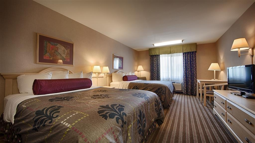Best Western Borger Inn - If you're traveling with a group of friends or family make a reservation in our 2 queen bed.