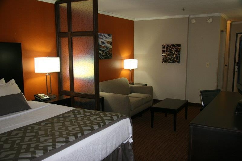 Best Western Plus Lubbock Windsor Inn - Suite