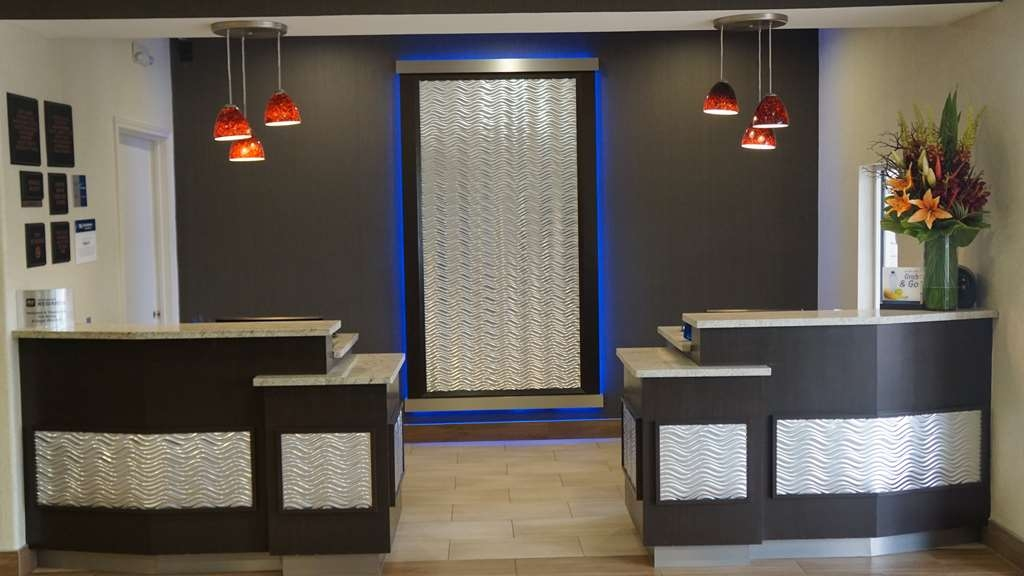Best Western Plus Lake Worth Inn & Suites - Hall