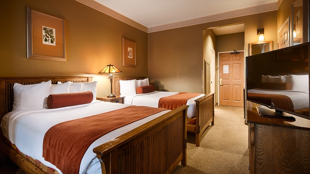 Best Western Plus Sunset Suites-Riverwalk - Sink into our comfortable beds each night and wake up feeling completely refreshed.
