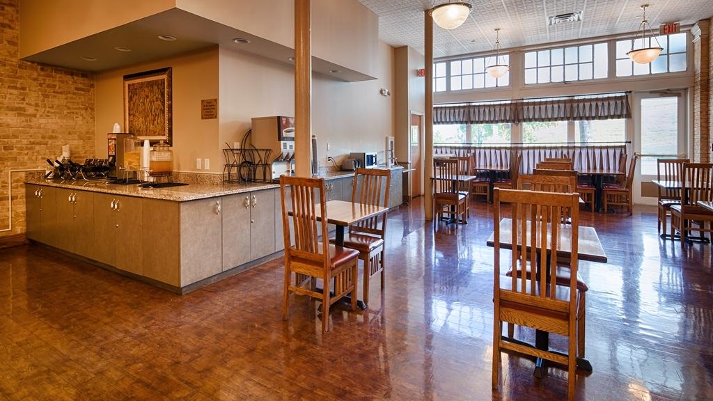Best Western Plus Sunset Suites-Riverwalk - Desayuno Buffet