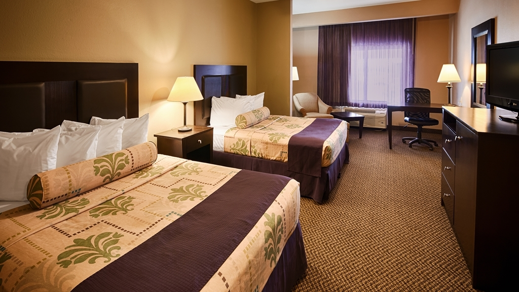 Best Western Port Lavaca Inn - Need two beds? Reserve our room with two queen beds.