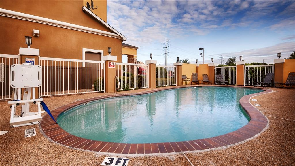 Best Western Plus McKinney Inn & Suites - Piscina