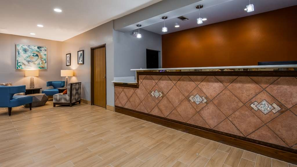 Best Western Club House Inn & Suites - Hall