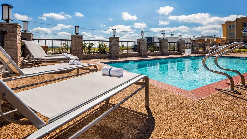 Best Western Club House Inn & Suites - Piscina