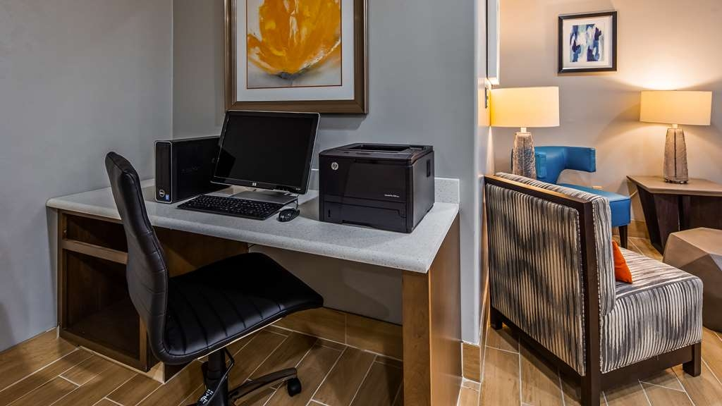 Best Western Club House Inn & Suites - affari-centro