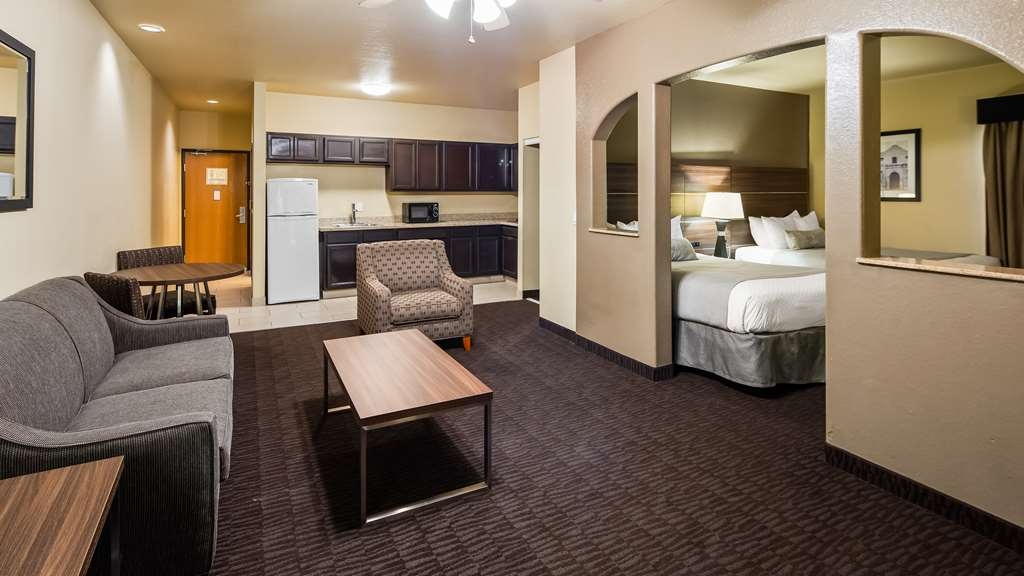 Best Western Plus Hill Country Suites - Suite