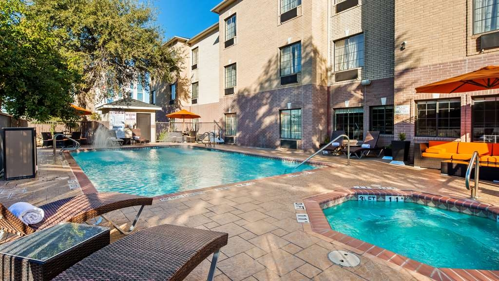 Best Western Plus Hill Country Suites - Piscina