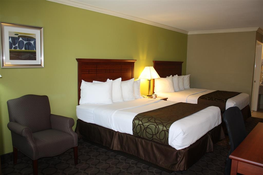 Best Western Paradise Inn - Wake up completely refreshed in this 2 queen bedroom.