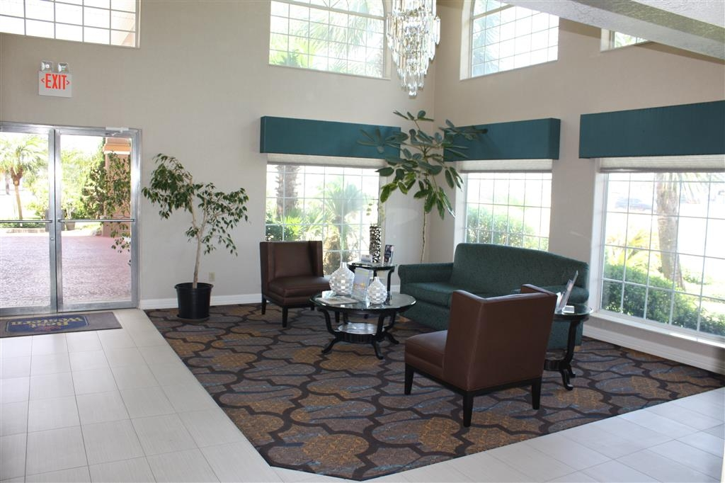 Best Western Paradise Inn - Our lobby is the perfect spot to relax after a long day of work and travel.