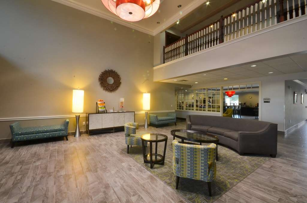 Best Western Galleria Inn & Suites - Best Western® Galleria Inn & Suites Lobby