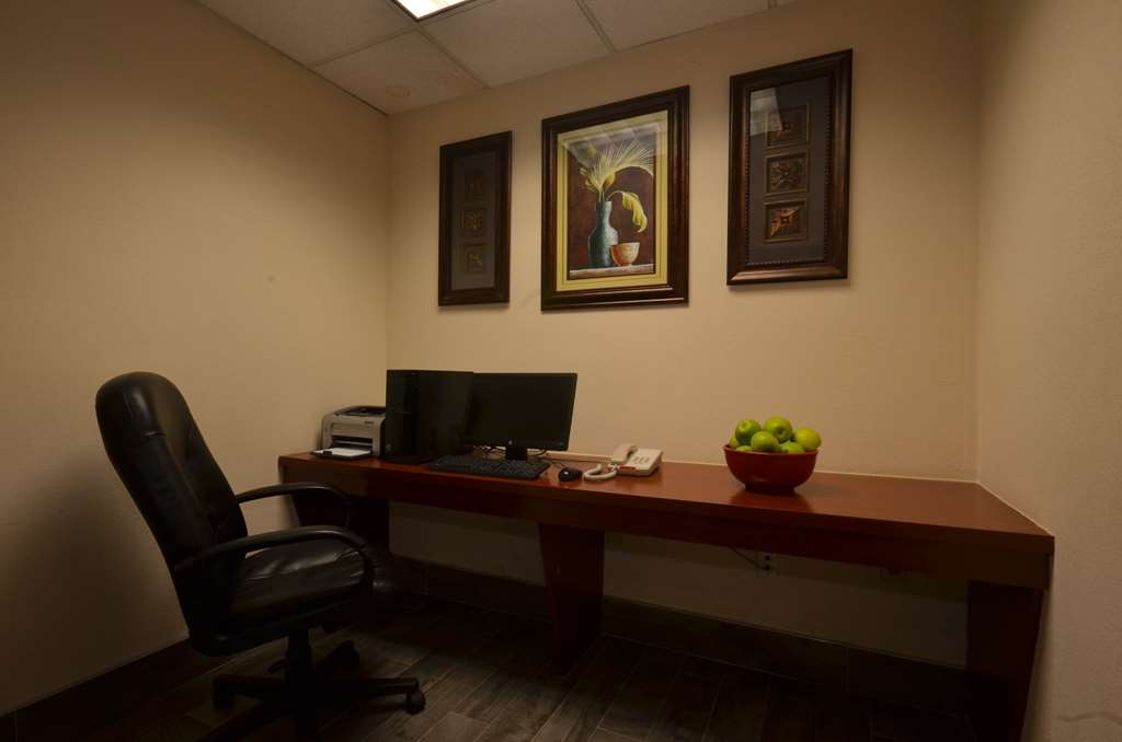 Best Western Galleria Inn & Suites - Our business center features a free printer for you to use.