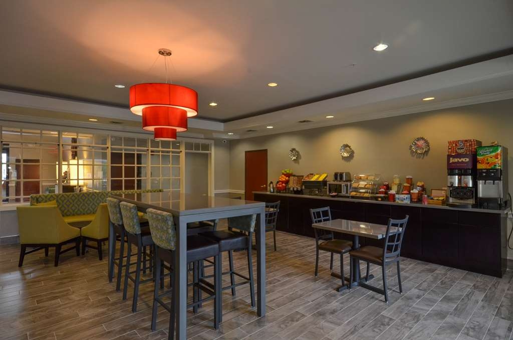 Best Western Galleria Inn & Suites - Breakfast Area