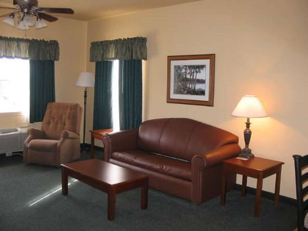 Best Western Plus Fredericksburg - Hall