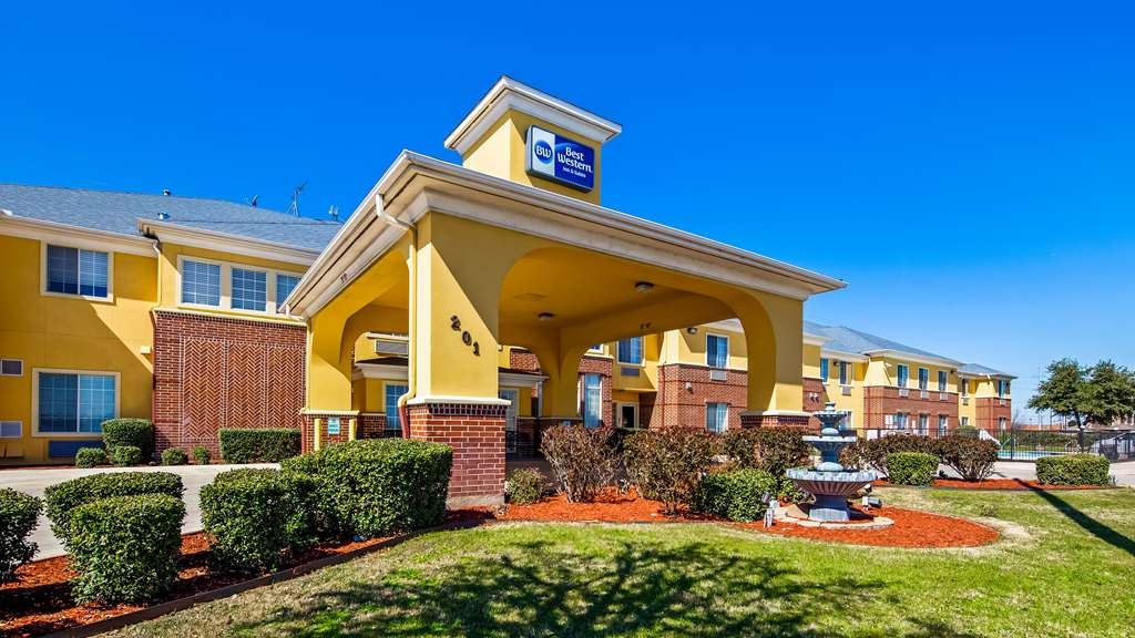Best Western Fort Worth Inn & Suites - Façade