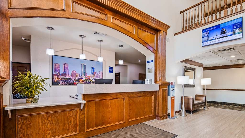 Best Western Fort Worth Inn & Suites - Reception Area
