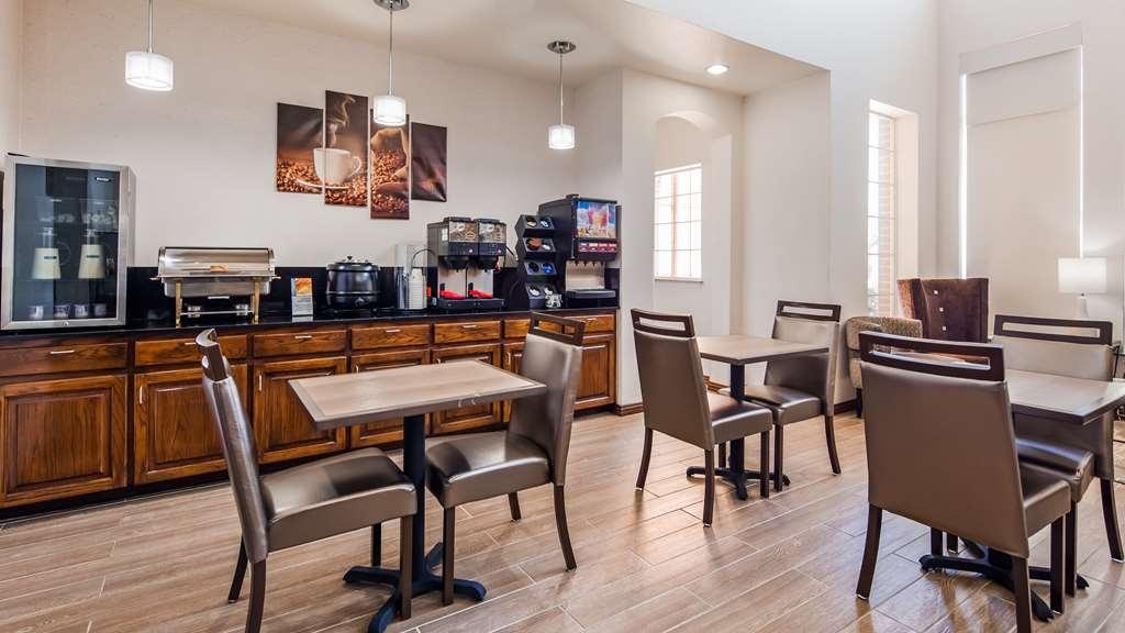 Best Western Fort Worth Inn & Suites - Breakfast Area