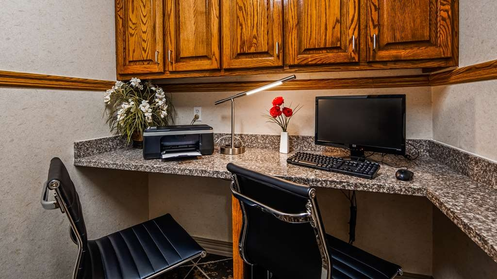 Best Western Fort Worth Inn & Suites - Business Center