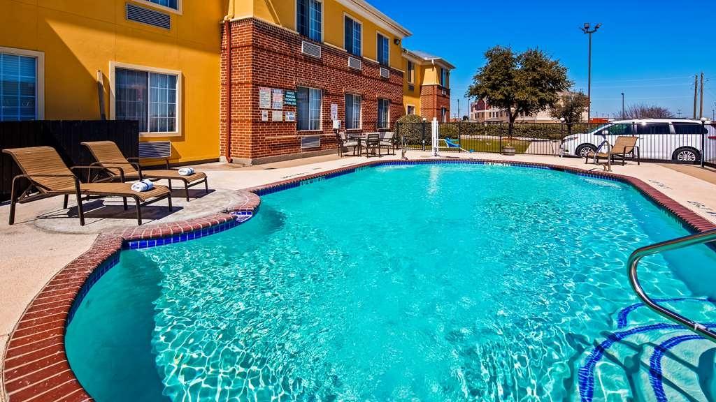 Best Western Fort Worth Inn & Suites - Outdoor Pool