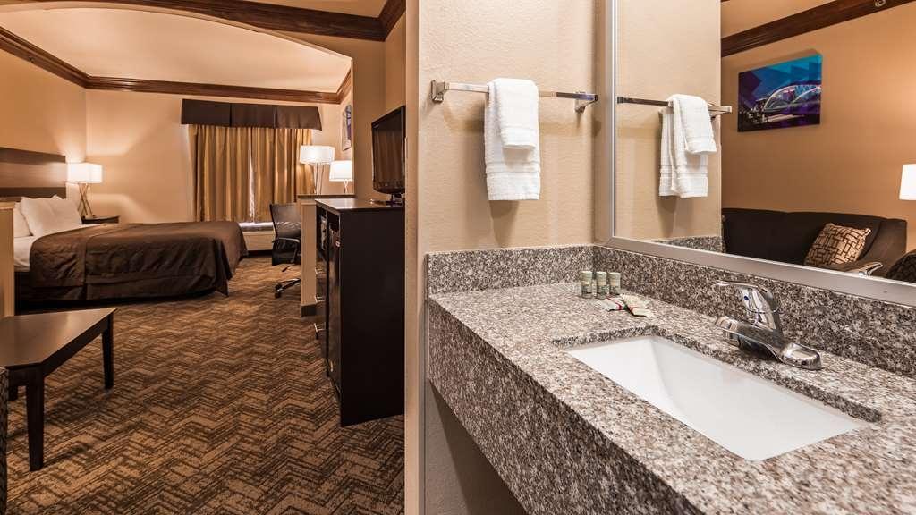 Best Western Fort Worth Inn & Suites - King Suite