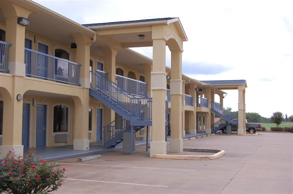 Best Western Angleton Inn - Visit local attractions close to our hotel, including: Brazoria County Historical Museum, MotorSport Ranch.