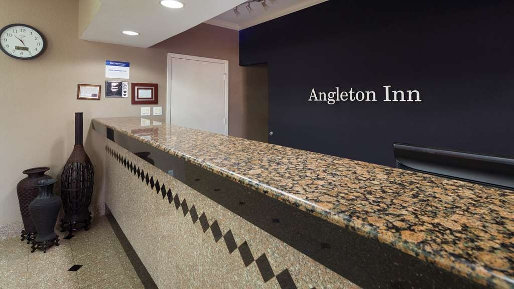 Best Western Angleton Inn - Vista del vestíbulo