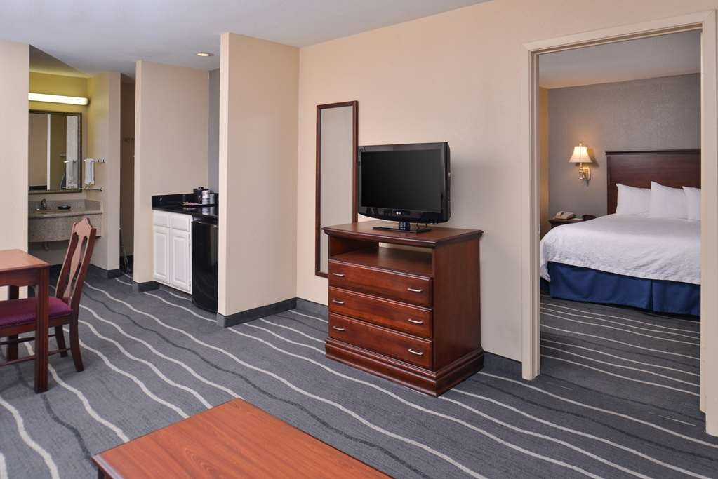Best Western Irving Inn & Suites at DFW Airport - Suite