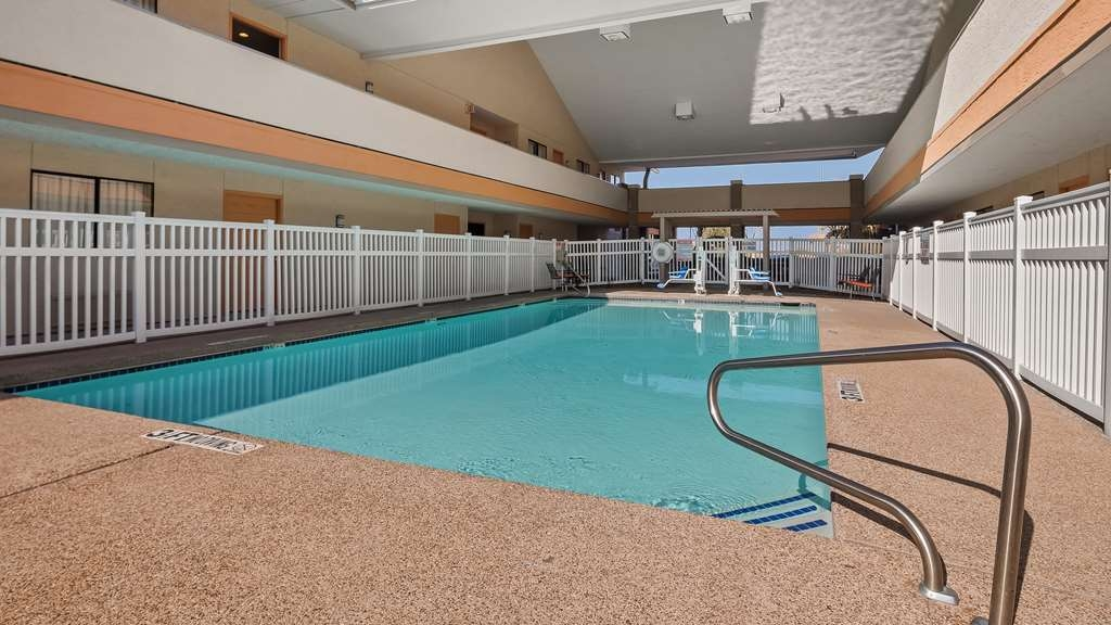 Best Western Irving Inn & Suites at DFW Airport - Vue de la piscine