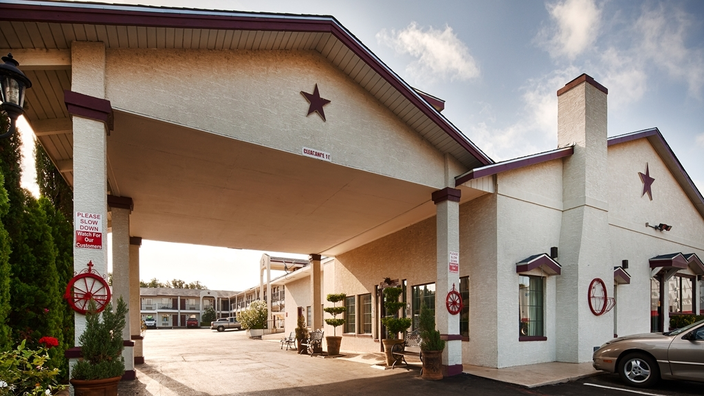 Best Western Johnson City Inn - Außenansicht