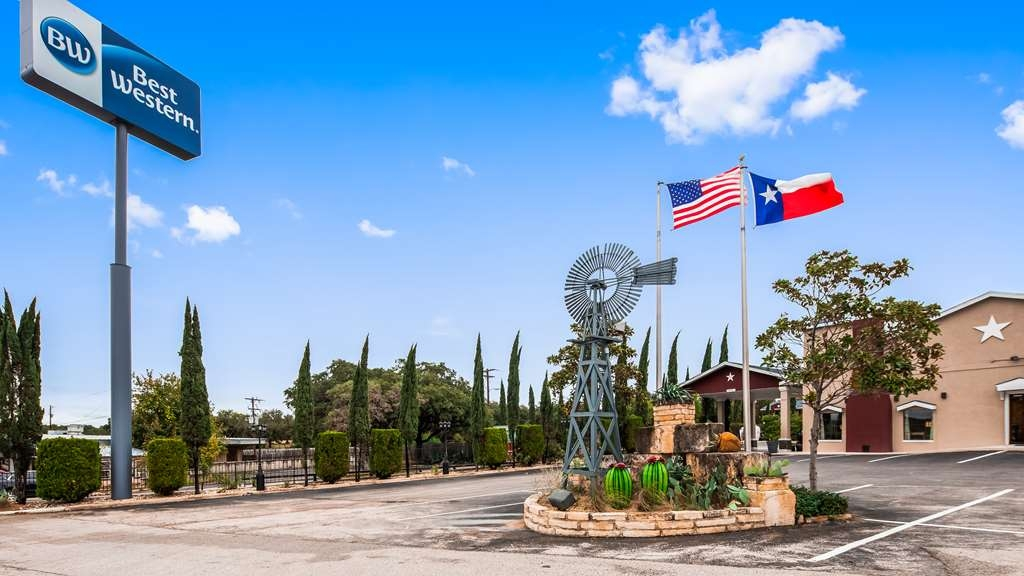 Best Western Johnson City Inn - Façade