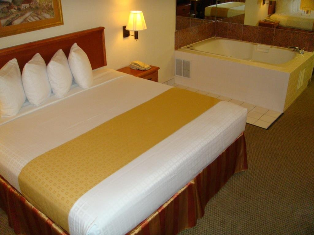 Best Western Executive Inn & Suites - Suite con piscina de hidromasaje