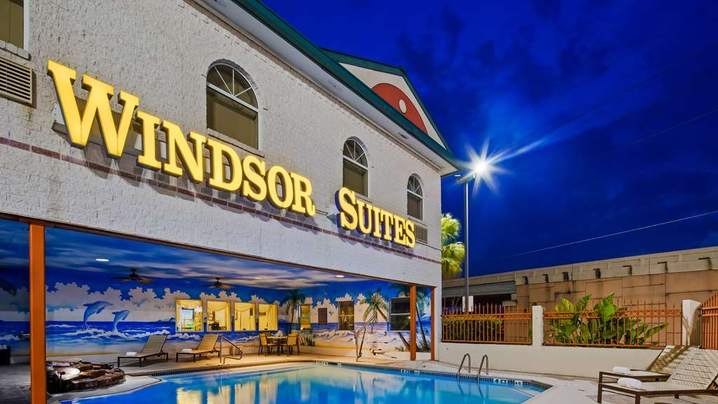 Best Western Windsor Suites - Außenansicht