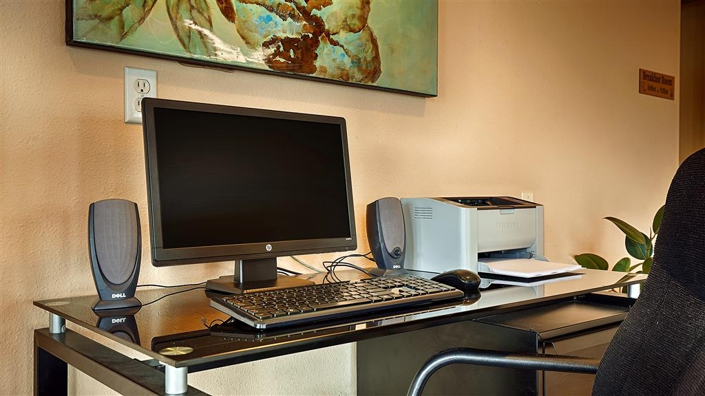 Best Western Lake Conroe Inn - Business Center