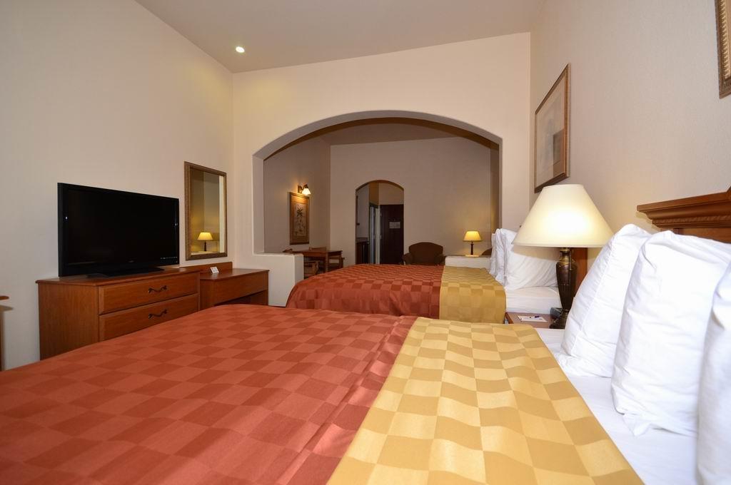 Best Western Casa Villa Suites - Suite avec deux lits queen size
