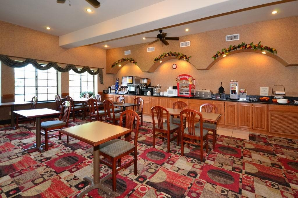 Best Western Casa Villa Suites - Breakfast Area