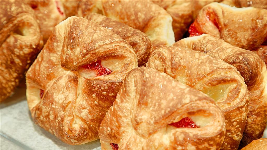 Best Western Pineywoods Inn - Le petit déjeuner buffet