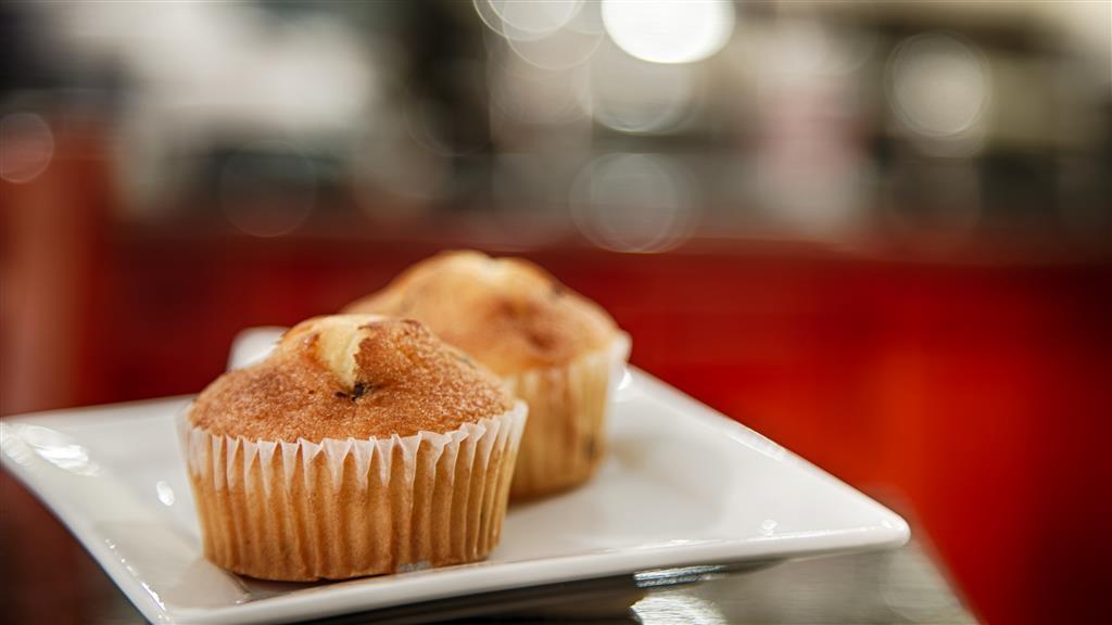 Best Western Pineywoods Inn - Frühstücksbuffet