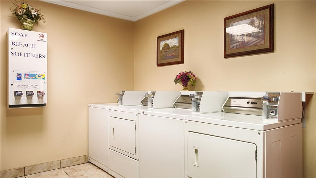 Best Western Pineywoods Inn - Be sure you're ready for the day with our convenient laundry center.