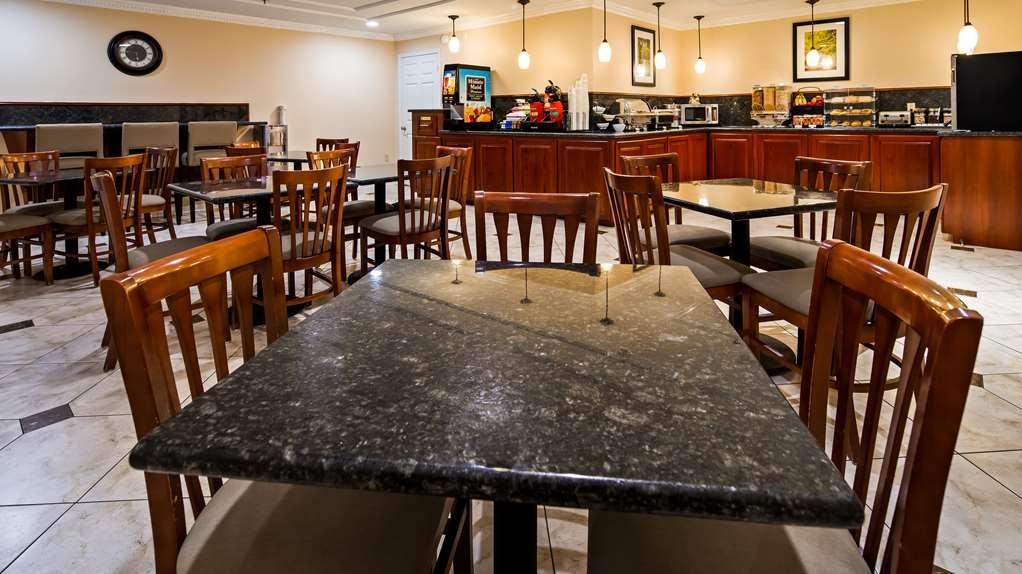 Best Western Pineywoods Inn - Restaurant / Gastronomie