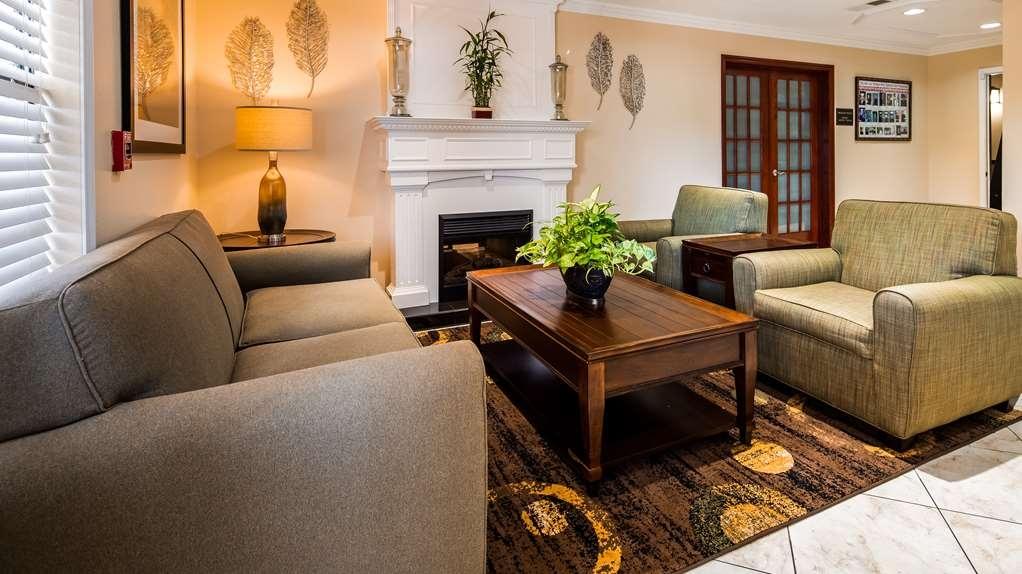 Best Western Pineywoods Inn - Lobbyansicht