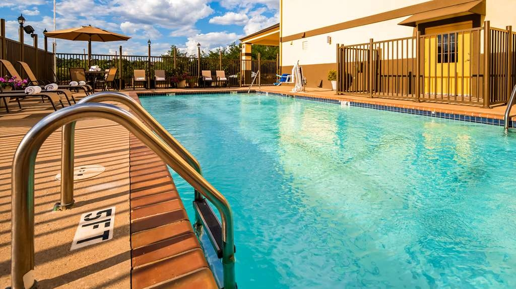 Best Western Pineywoods Inn - Piscina
