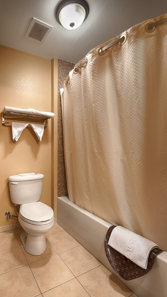 Best Western Plus Red River Inn - Enjoy getting ready for the day in our fully equipped guest bathrooms.