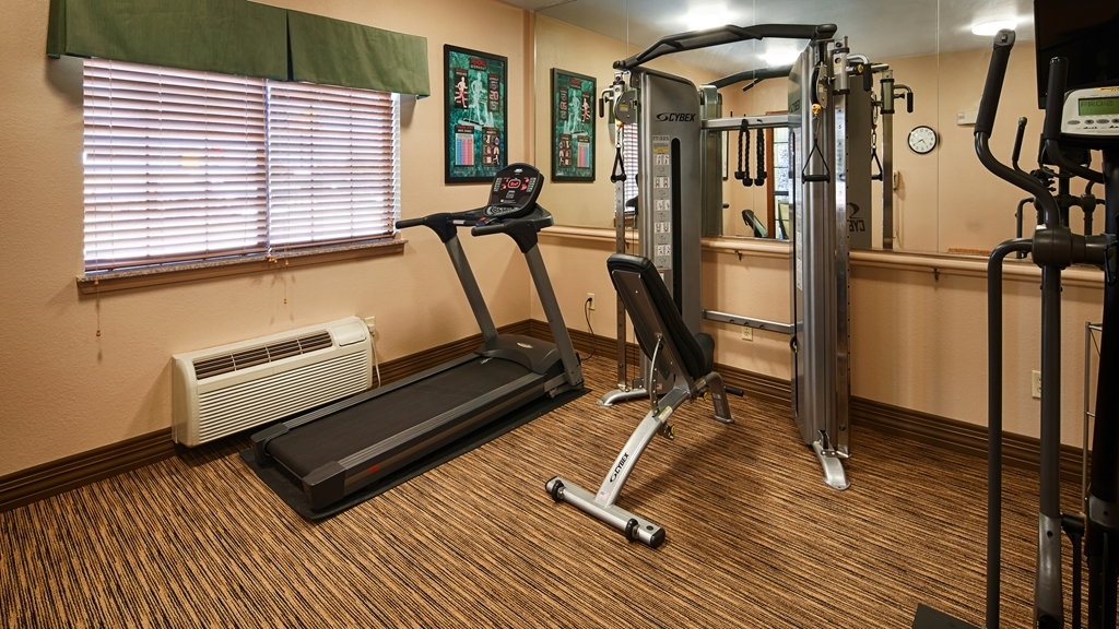 Best Western Plus Red River Inn - Maintain your fitness routine during your stay with us in our fitness center.
