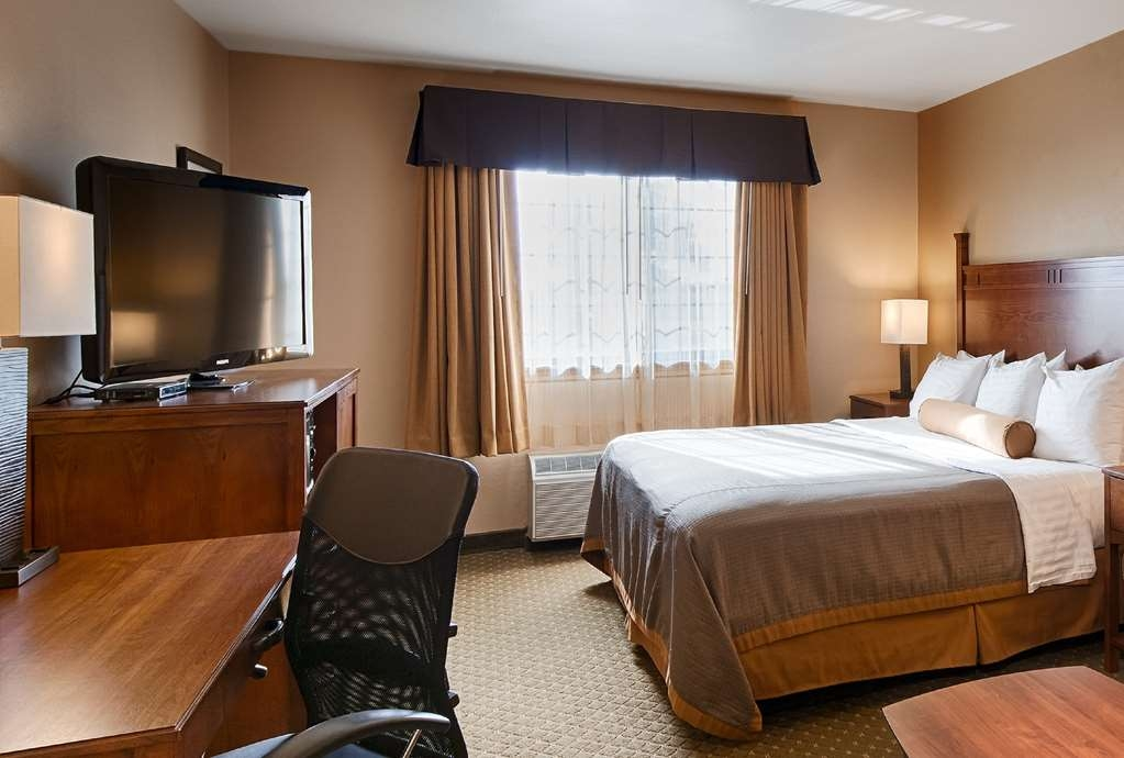 Best Western Plus Red River Inn - We offer a variety of king rooms from standard to mobility accessible.
