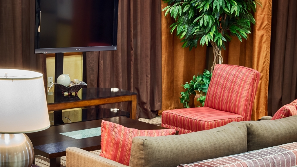 Best Western Dayton Inn & Suites - Our wonderful lobby where you'll feel right at home.