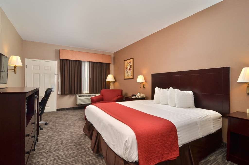 Best Western Dayton Inn & Suites - Enjoy the solitude of our king guest room.