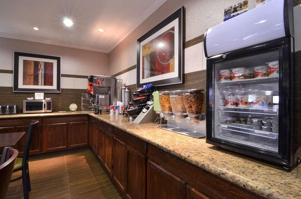 Best Western Dayton Inn & Suites - Desayuno Buffet